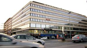 SAK:n ja metalliliiton talo Helsingin Hakaniemessä. Juha Sipilän hallitus painostaa ammattiyhdistysliikettä kovilla uhkauksilla.