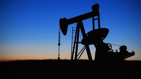 Isiksen varastamansa öljyn myynnin halpuus takaa kiivaan kysynnän.